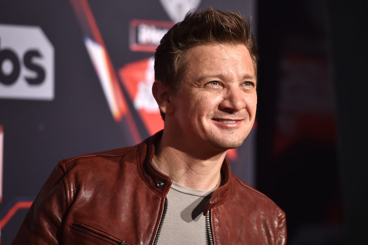 Jeremy Renner Net Worth in 2019 (Updated) | AQwebs.com