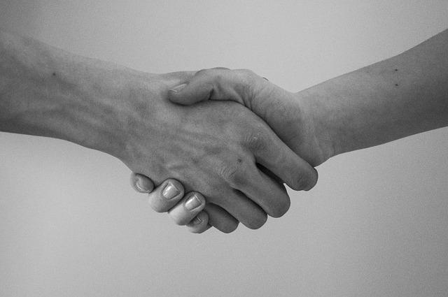 Warm hands - Best Psychology Tricks